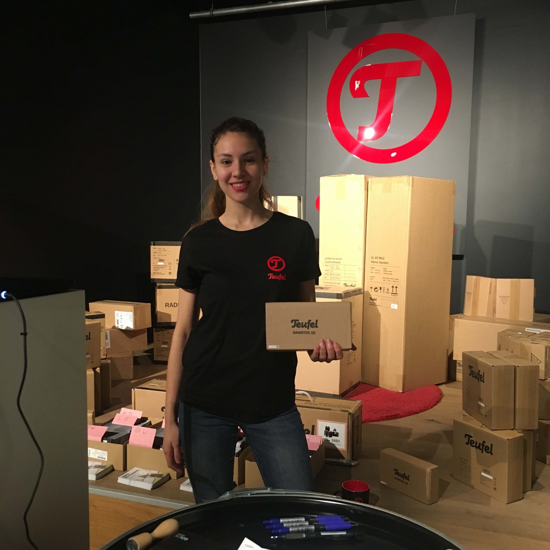 fatma 55 jobs als kellnerin hostess in berlin instaff. Black Bedroom Furniture Sets. Home Design Ideas