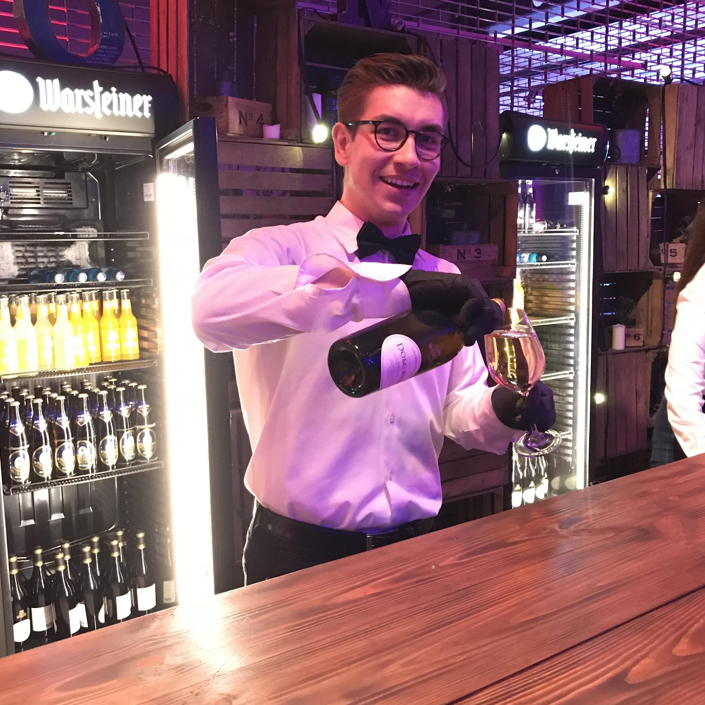 Großartig Barkeeper Wieder Aufgaben Galerie - Beispiel Business ...