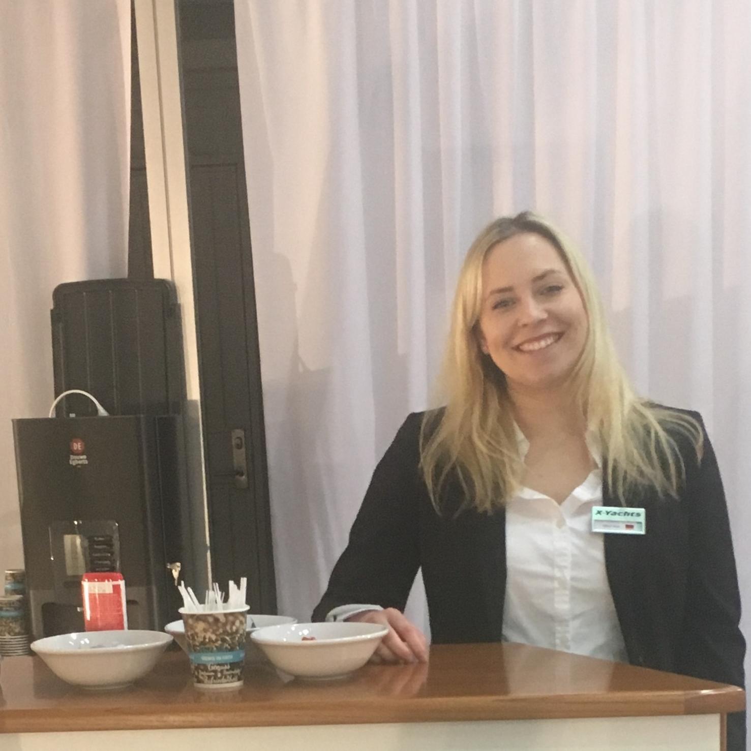 kathrin hostess promoterin in d sseldorf dortmund instaff. Black Bedroom Furniture Sets. Home Design Ideas