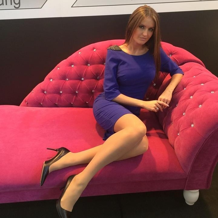 yuliya hostess model in m nchen n rnberg instaff. Black Bedroom Furniture Sets. Home Design Ideas