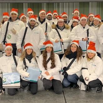 Gruppe von Promotern für S Bahn
