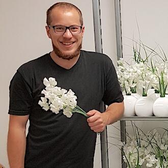 Helfer mit Blumen für tom geist