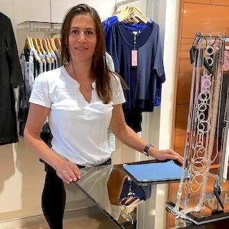Kassiererin im Modehandel bei Phase Eight