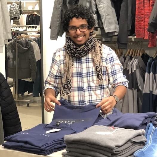Verkäufer im Einzelhandel für Mode