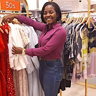 Verkaufsunterstützung im Einzelhandel bei Phase Eight